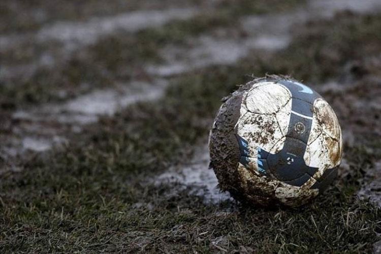 fudbal-lopta-blato